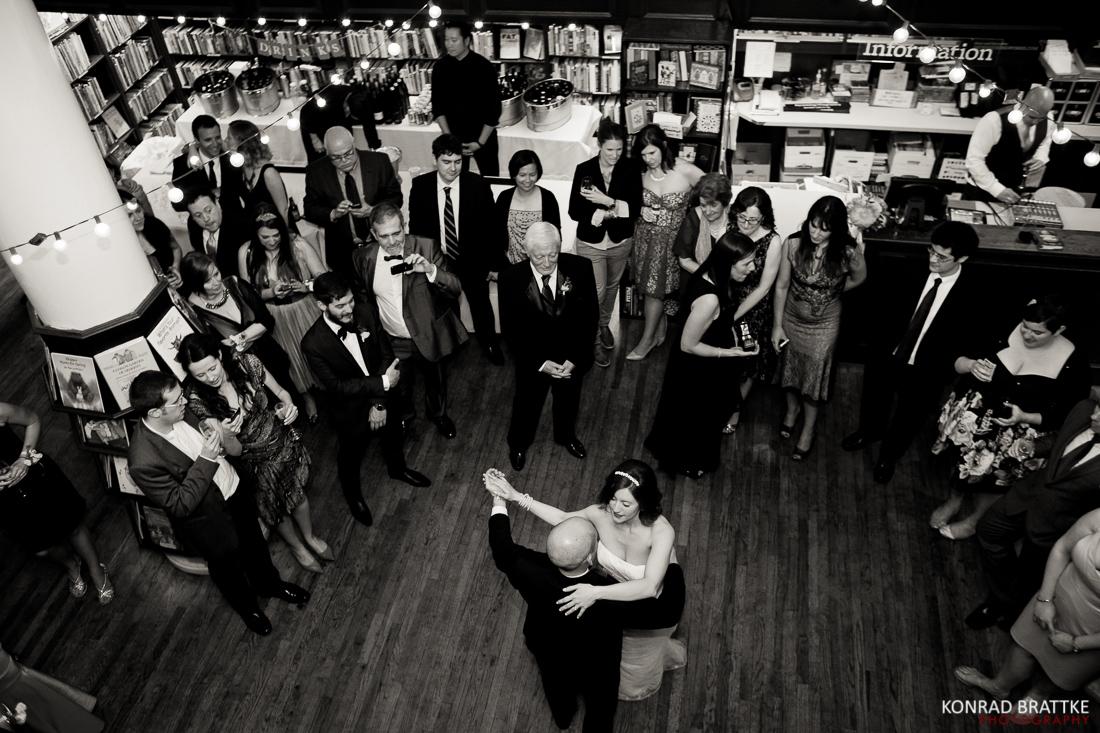 housing_works_bookstore_wedding_084