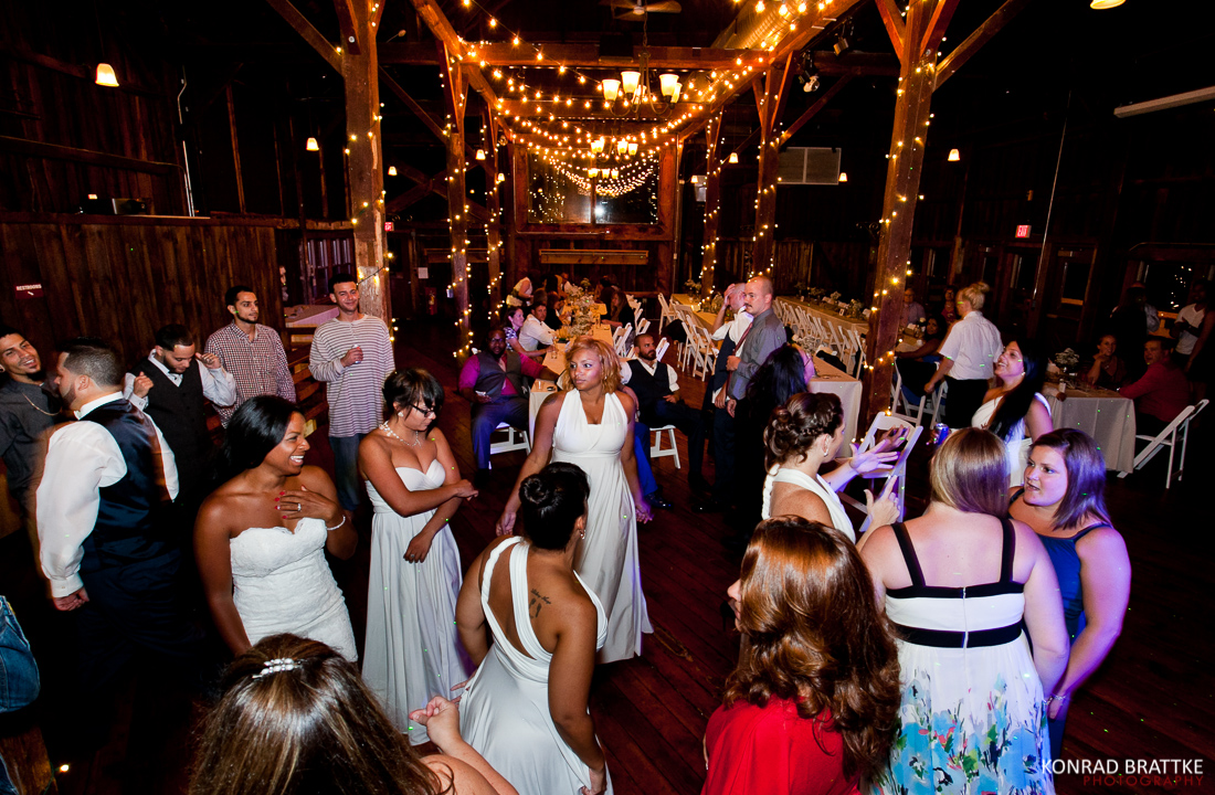red_barn_at_hampshire_college_wedding_0003